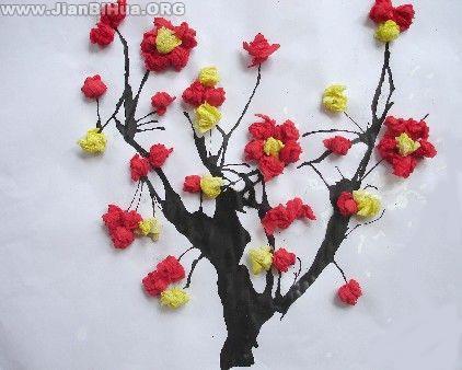 幼儿园小班手工折纸_幼儿园大班冬天墙面布置:梅花