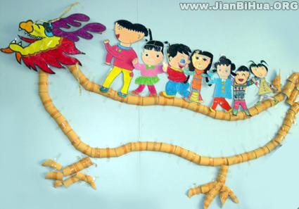 幼儿园大班墙面布置图片:民俗划龙舟