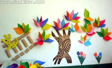 幼儿园秋季墙面布置:五彩树