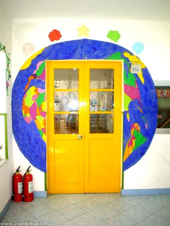 幼儿园大班门窗布置:活动室门口布置