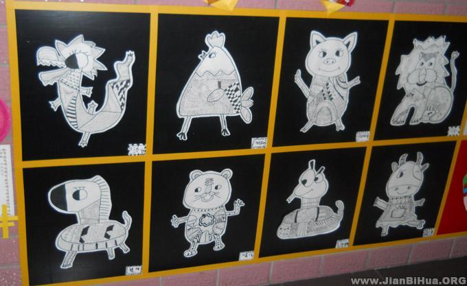 幼儿简笔画圣诞_幼儿园楼道布置图片:线条画作品展