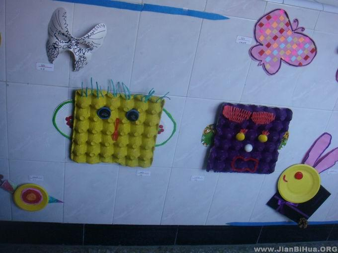 幼儿园楼道环境布置 幼儿手工作品展图片