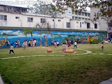 小班幼儿简笔画教程_幼儿园小班室外环境布置:操场区
